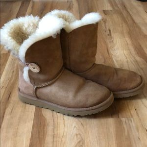 Bailey Button II Chestnut Ugg boots size 7
